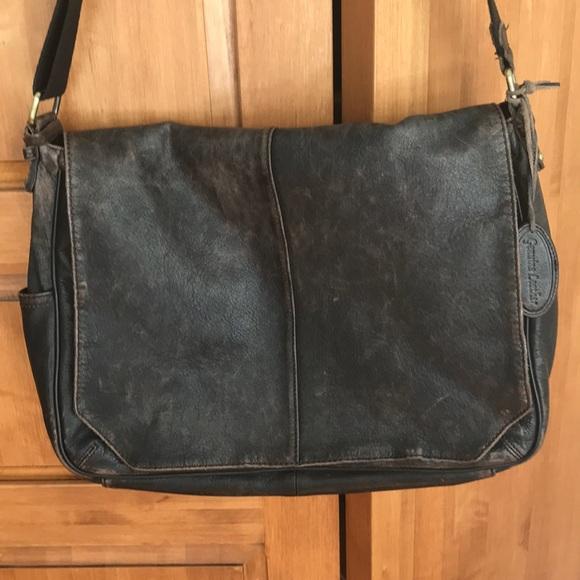 metà fuori 24222 8903e ✅ Pelle Studio Distressed leather Messenger Bag
